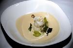 Филе Сан-пьера с спаржей и черной икрой, под соусом «Шампань»