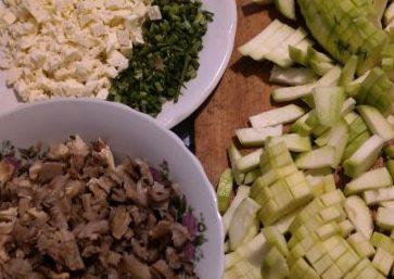 кабачки, грибы, укроп и сыр
