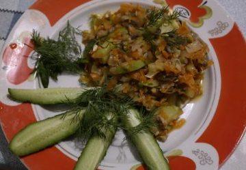 Готовое блюдо: кабачки с грибами